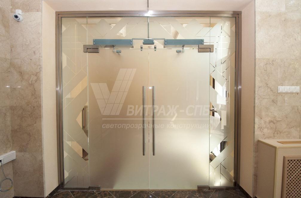 Стильное оформление интерьера: установка стеклянных дверей-Витраж СПб