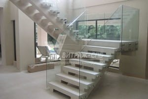 Особенности ограждения лестниц-Витраж СПб