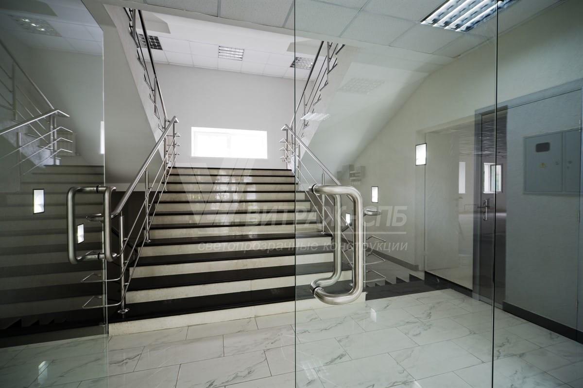 Маятниковые стеклянные двери-Витраж СПб